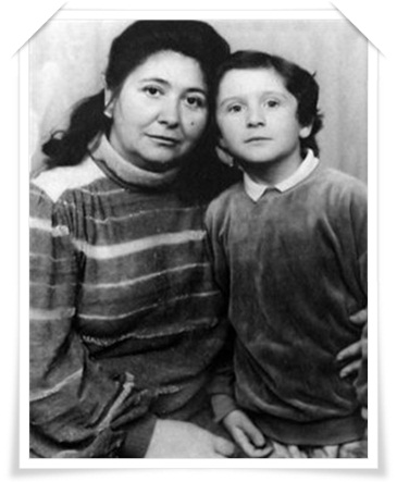 Славик Чебаркульский с матерью