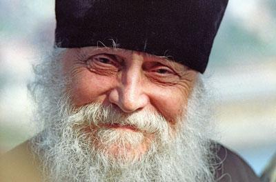 О природе суеверия, о том, что такое «суета прогресса» и как узнать, какая вера подлинная, – беседа епископа Василия (Родзянко)